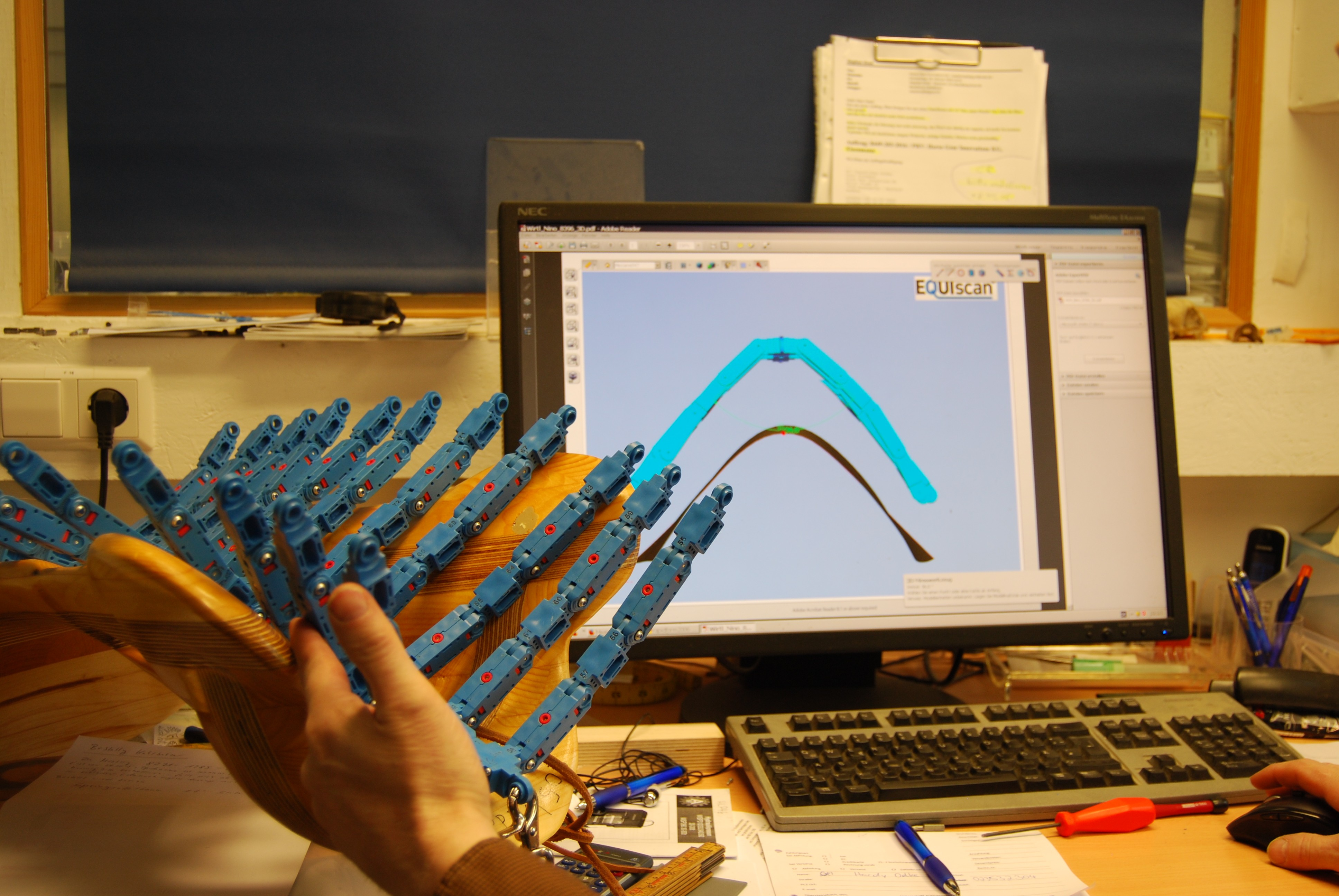 Messgerippe im realen Sattelbaum und im Computer