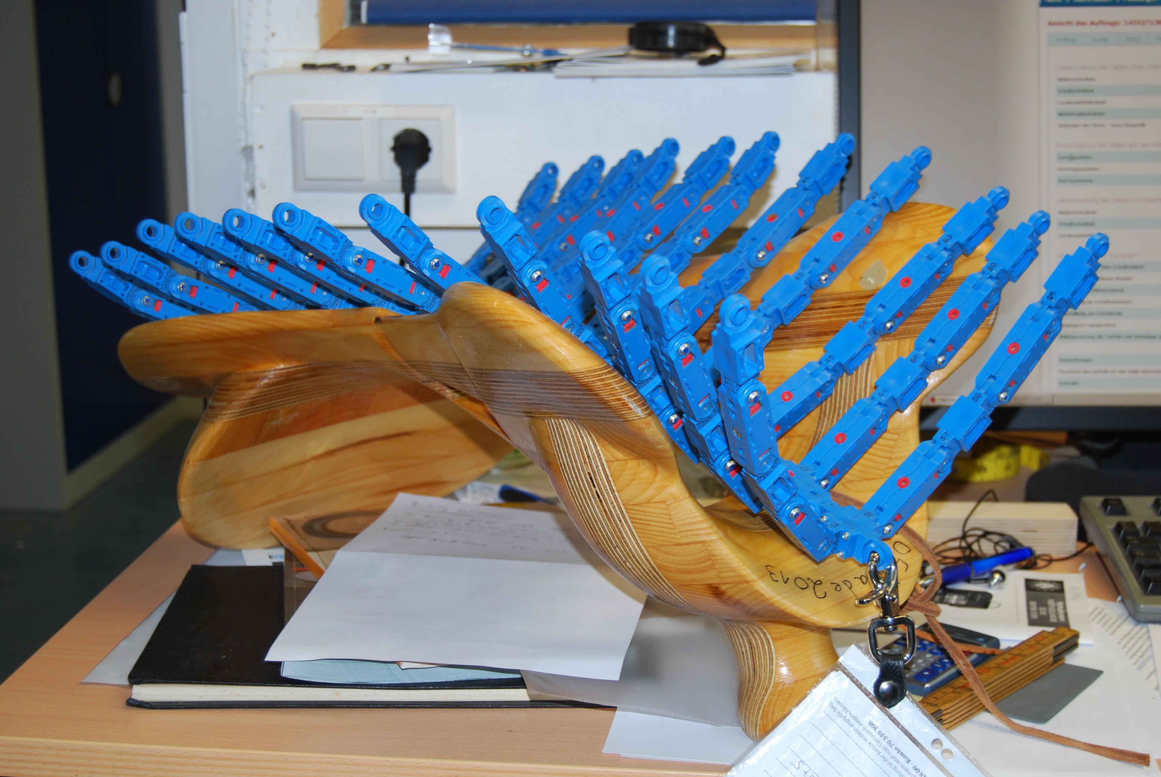 Blaues Messgeruppe in einem Kunden-Sattelbaum